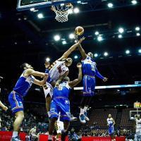 Basket, Brindisi si tiene la vetta. Bene Cantù, Siena e Sassari