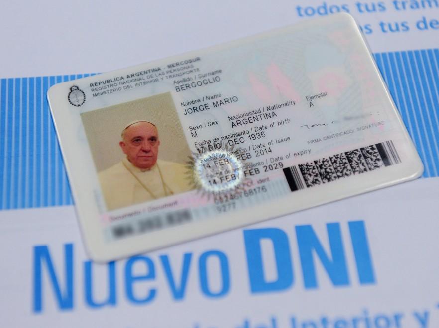 Il Papa vuole viaggiare come argentino