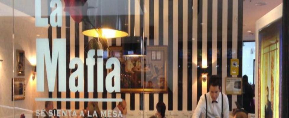 A cena con la Mafia: in Spagna la gente fa la fila in ristoranti intitolati a Cosa Nostra