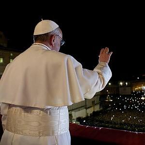 La rivoluzione di Francesco contro i mandarini del Vaticano