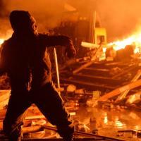 Ucraina, fuoco e fiamme nelle piazze di Kiev