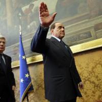 Berlusconi, il segno del silenzio: niente domande