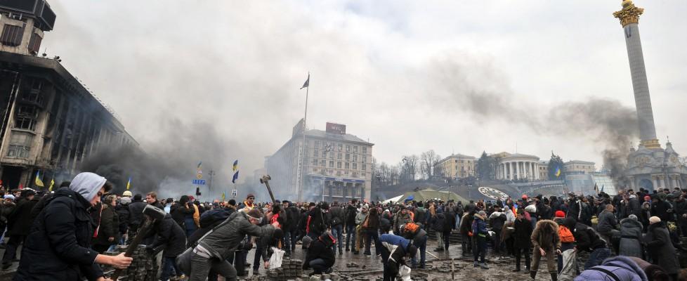 Ucraina, Ue: riunione straordinaria ministri Esteri. Obama minaccia sanzioni. Governo autorizza uso delle armi