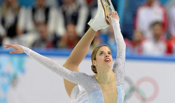 Pattinaggio di figura, Carolina Kostner incanta: è in corsa per l'oro