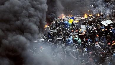 Ucraina, � guerra  Decine di morti centinaia feriti a Kiev -   foto   Insorti catturano 60 agenti   dir tv