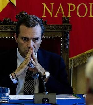 Corte dei Conti: Napoli è fallita.<br />Uno su due non paga né multe né tasse