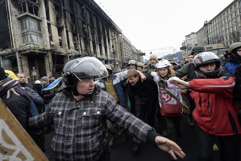 Ucraina, umiliato in piazza: non era un cecchino