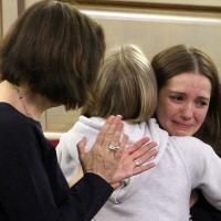 Ucraina, Tymoshenko liberata: le lacrime della figlia