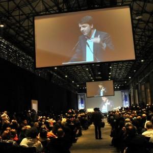 """Renzi: """"Innovazione e uguaglianza, la mia idea di destra e sinistra nell'Europa della crisi"""""""