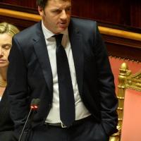 Discorso al Senato: Renzi con le mani in tasca