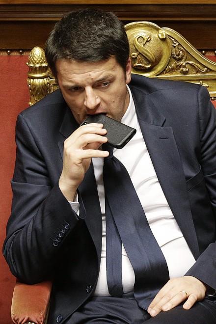 Governo Renzi, un esecutivo al telefono
