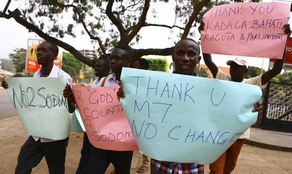 Uganda, legge anti-gay: la doppia faccia della manifestazione