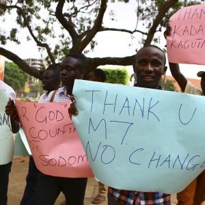Uganda, giornale pubblica in copertina nomi di 200 omosessuali