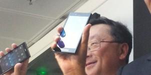 Blackberry torna al 'classico' e cerca il rilancio   Foto