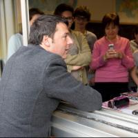 Renzi a Treviso: show a scuola con i ragazzi