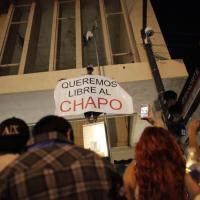 """Messico, """"Vogliamo El Chapo libero"""": la protesta contro l'arresto"""