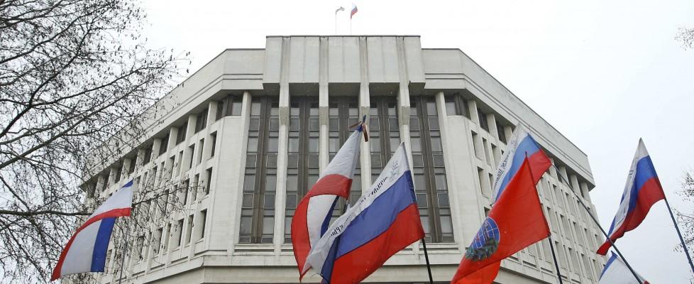 Ucraina, filorussi occupano parlamento in Crimea. Gli eroi di Maidan diventano ministri