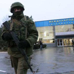"""Kiev accusa Mosca di aggressione: """"Duemila soldati russi hanno invaso Crimea"""""""