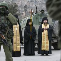 Crimea, i soldati di Mosca presidiano i palazzi del potere