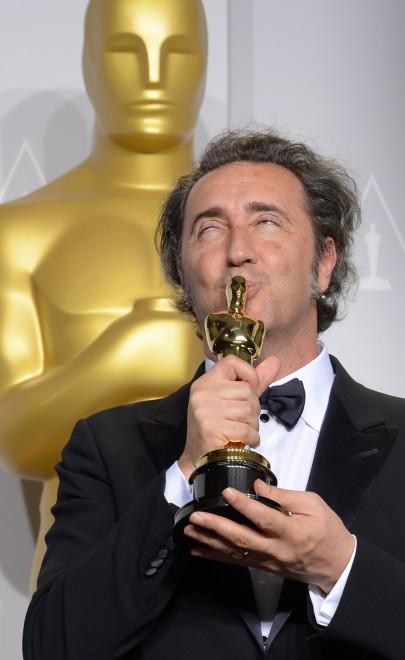 Oscar 2014, Sorrentino bacia la statuetta d'oro