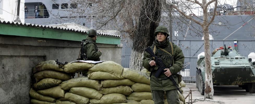 """Ucraina, Obama attacca: """"Mosca si trova dalla parte sbagliata della storia"""". Smentito ultimatum russo"""