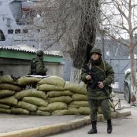 Ucraina, Putin prende la Crimea e tratta. G7 condanna la Russia e sospende lavori del G8