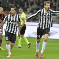 Juventus: Tevez-Llorente coppia gol, ma il Mondiale è lontano