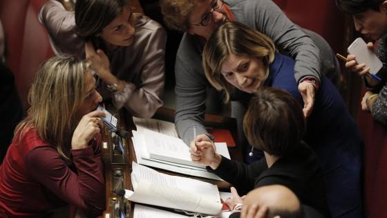 La finzione  della parità Il governo Renzi passi dalle parole  ai fatti
