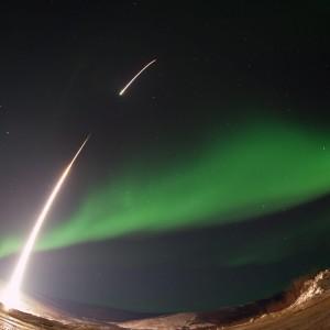 Aurore boreali mozzafiato: una tempesta magnetica le rende bellissime