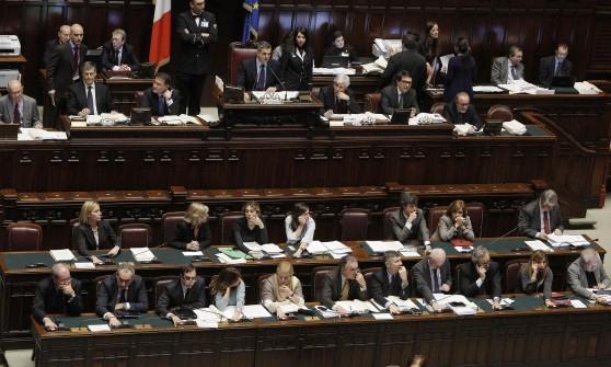 Niente preferenze e quote rosa, Italicum traballa ma tiene. Fra qualche ora il voto finale