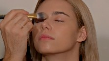 Video tutorial: come fare una base trucco perfetta