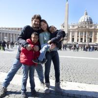 """La poltrona del Papa"", i protagonisti del video-regalo per Francesco"