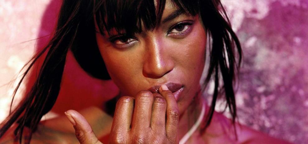 Naomi mamma single, Madonna casalinga disperata