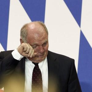 Germania, Hoeness va in carcere e si dimette da presidente del Bayern