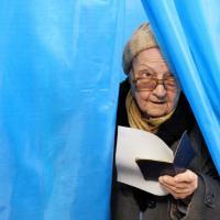 Crimea al voto, al via referendum su secessione