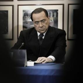 Berlusconi, il mondo capovolto