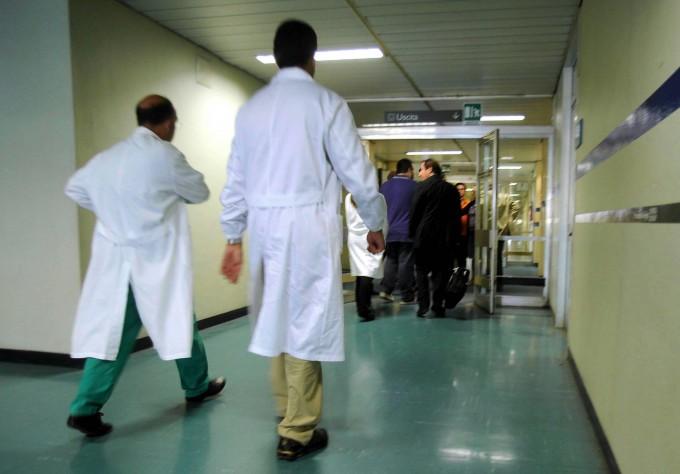 """In 10 anni mancheranno 15mila medici. L'allarme: """"Il sistema rischia il collasso"""""""