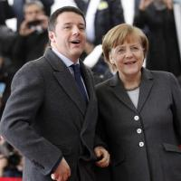 "Renzi a Berlino: il bottone ""saltato"""