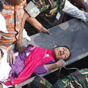 """Bangladesh, Rana Plaza: """"Benetton basta false promesse è ora di risarcire le vittime"""""""