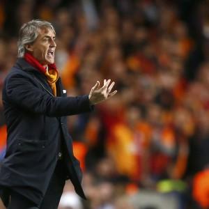 """Galatasaray, Mancini: ''Siamo stati delle ombre''. Mou: """"Con merito tra le grandi"""""""