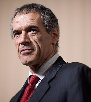 Cottarelli boccia il finanziamento ai partiti. Nella spending 900 mln di tagli alla politica
