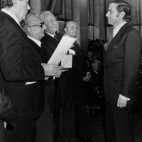 Berlusconi nominato Cavaliere: l'onorificenza del 1977