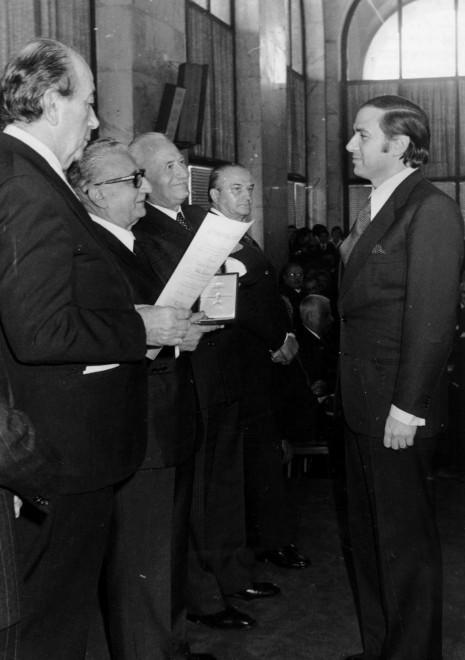 Berlusconi nominato Cavaliere: l'onorificenza del 1977 - la Repubblica