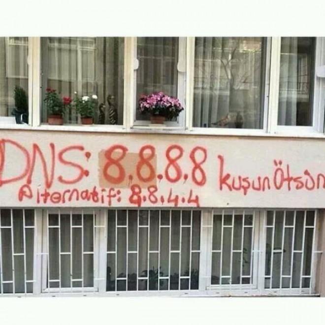 Istanbul: i graffiti per aggirare il blocco su Twitter<br /><br />