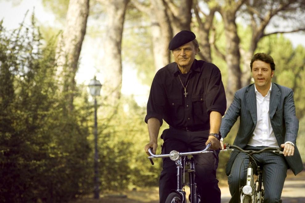 In bici con Matteo Renzi, il tormentone in rete