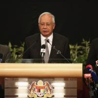 """Aereo scomparso, il premier malese: """"Il volo MH370 è precipitato nell'Oceano Indiano"""""""