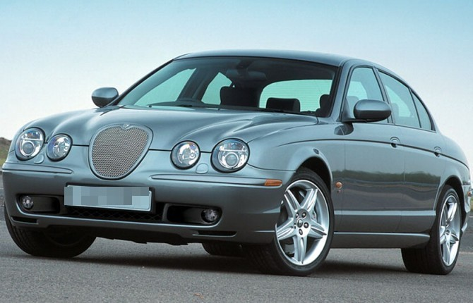 Auto blu, al via la vendita dei primi modelli