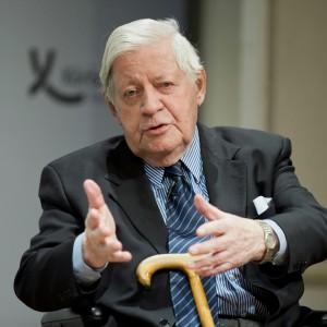 """Helmut Schmidt: """"Contro Putin è sbagliata la linea dura"""""""