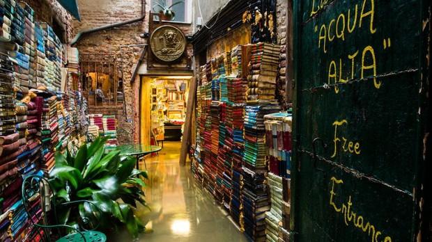 Librerie le 10 pi belle del mondo due sono italiane for Statua piu alta del mondo
