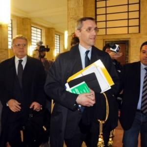 """Unipol: prescrizione del reato per Silvio e Paolo Berlusconi: """"Ma non c'è prova di innocenza"""""""